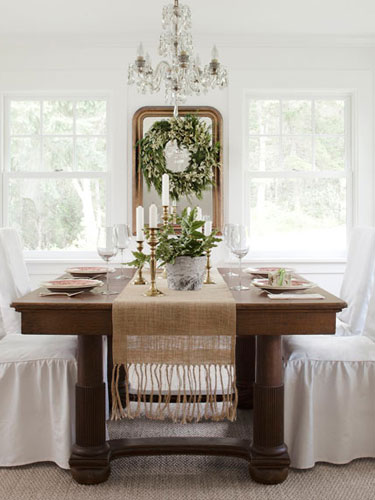 Country-Farmhouse-DIY-white-and-green-dining-room-0112-yOslJC-lgn